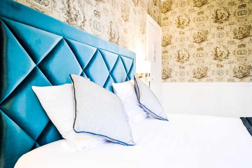 chambre bleue les jardins d 39 picure. Black Bedroom Furniture Sets. Home Design Ideas